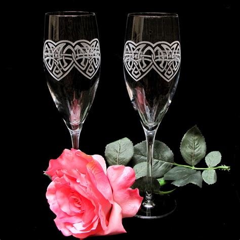 personalized chagne flutes custom chagne glasses personalized celtic knot chagne flutes irish wedding