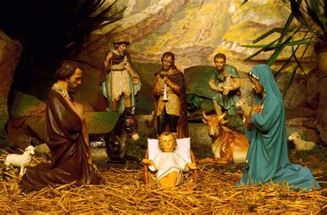 school sued  nativity scene  christmas play time