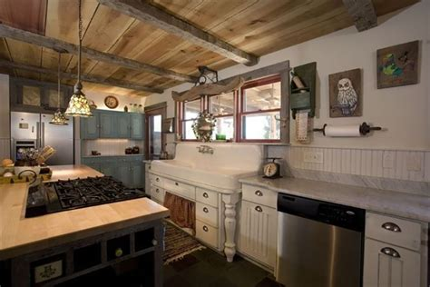 rustic farmhouse kitchen ideas 18 farmhouse style kitchens rustic decor ideas for kitchens