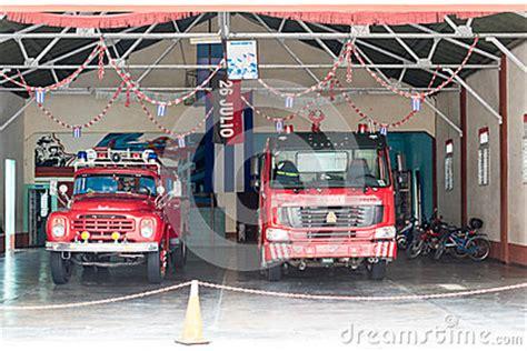 Lu Emergency Merk Timezone cuba department with vintage trucks editorial