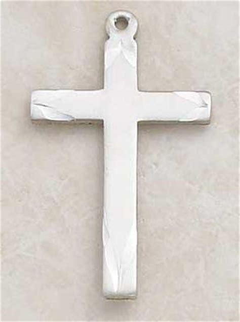 Чем отличается католический крест от христианского фото