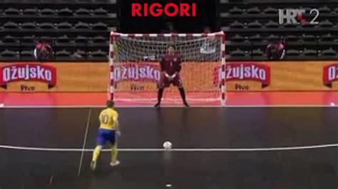 esercizi portiere calcio a 5 rigori e tiri liberi per il portiere di futsal la