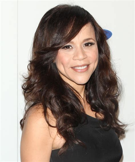 is rosie perez wearing a wig rosie perez wear a wig is rosie perez wearing wig is