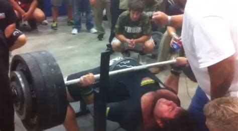 high school bench press record watch a texas high school senior bench press 700 pounds