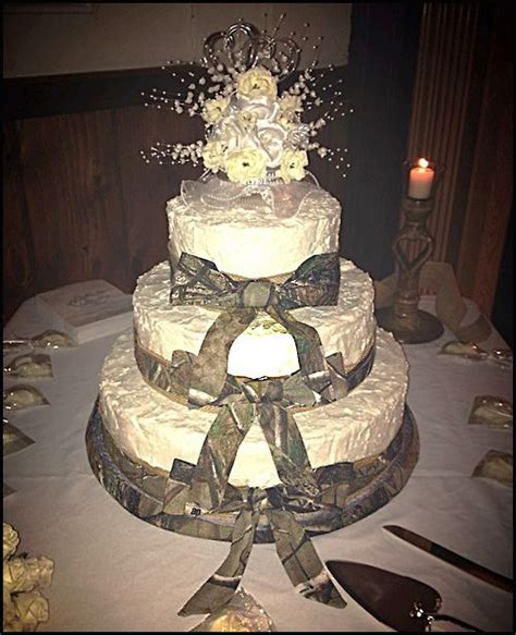 realtreecamo wedding cake simple is elegant camo