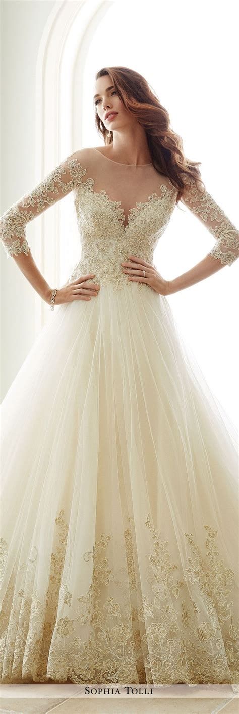 Fall Style Wedding Dresses by 1000 Ideas About Autumn Wedding Dresses On