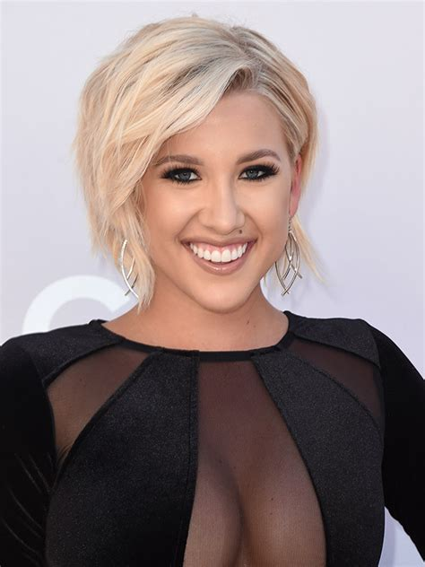 what kind of haircut did savannah chrisley get savannah chrisley s acm awards hair makeup star rocks