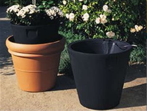 Self Watering Planter Inserts by Self Watering Planter Inserts Fill Every 2 3 Weeks
