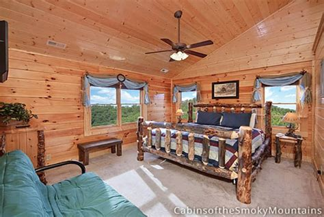 pigeon forge cabin above the 12 bedroom sleeps