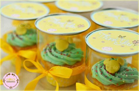 Mungil Snack Aneka Jajanan pin kue mungil si kuning cantik lumpur cake on