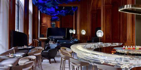 Beau Table Haute Bar Cuisine #9: Entrance-of-Le-bar-du-plaza-athenee.jpg