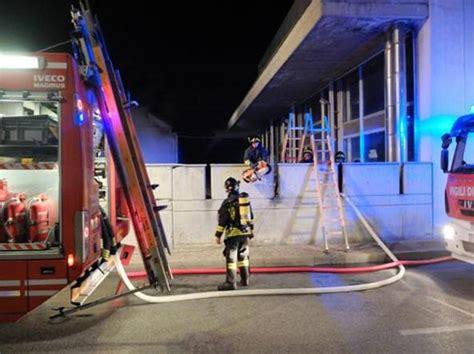 banca popolare di lodi sede legale lodi in fiamme l ex sede uffici consorzio agrario