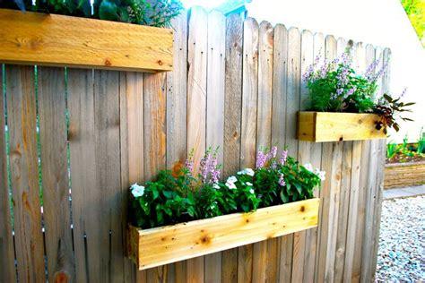 Garden Fence Planters by Best 25 Cedar Planters Ideas On Cedar Planter