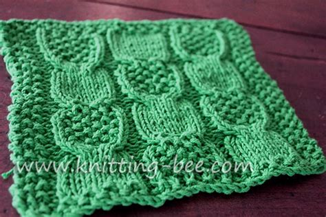 cable knit dishcloth pattern moss and cable stitch dishcloth free pattern