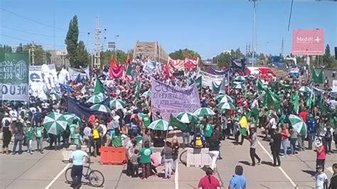 agrupacin docente docentes en marcha en cisadems la banda contundente paro y masiva marcha de docentes y estatales