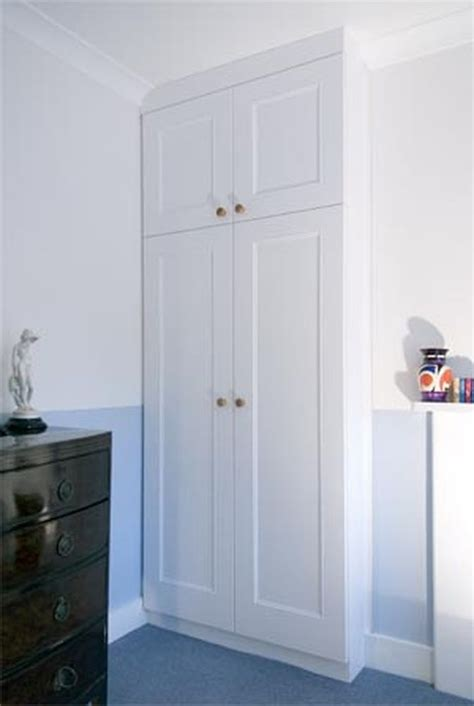 Diy Fitted Bedroom Wardrobes by 25 Best Ideas About Diy Fitted Wardrobes On