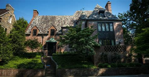 obama home obamas next home 9 bedrooms in a wealthy washington