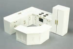 Miniature Dollhouse Kitchen Furniture by White Kitchen Cabinets In 1 Quot Scale From Fingertip