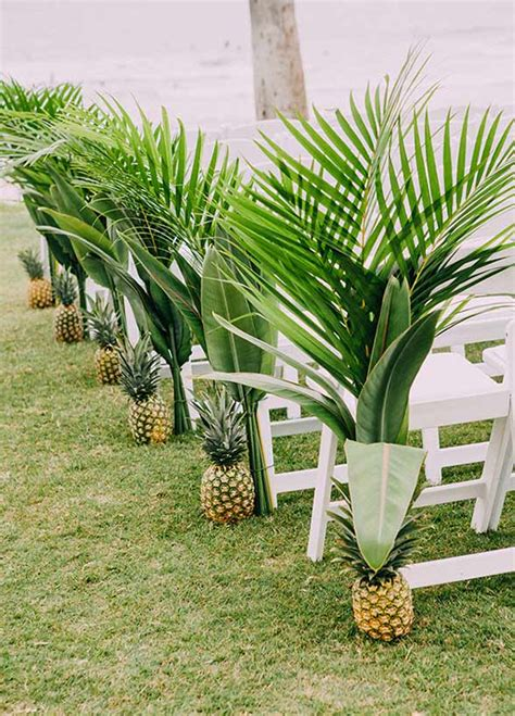 Wedding Aisle Liners by 11 Ways To Make Your Ceremony Aisle A Walk To Remember