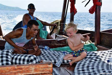 powodow  jechac na wakacje  indonezji