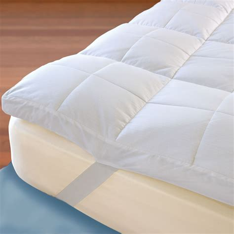 How To Make A Mattress Comfortable by The Temperature Regulating Mattress Topper Hammacher