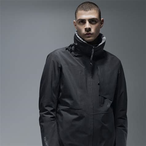 Jaket Takachi Japan Waterproof Ultimate Colection nikelab presents acg defining sport utility for the city