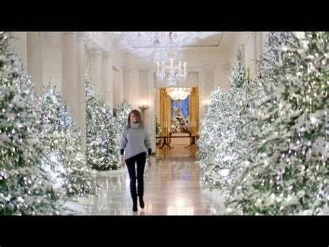 trump white house decorations compare melania trump to michelle obama s white house