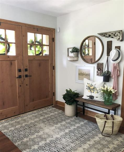 create  welcoming summer entryway home decor