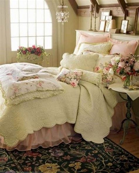 Shabby Chic Bedroom Ls by 25 Best Ideas About Shabby Chic Bedrooms On