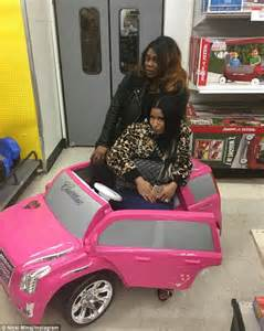 nicki minaj new car nicki minaj promises to keep boyfriend meek mill out of