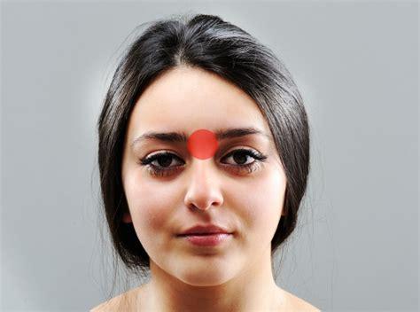 medicinali per il mal di testa come alleviare il mal di testa in 5 minuti evitando di