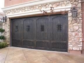 Aaron Overhead Doors Wood Garage Door Advantages And Disadvantages Aaron Overhead Doors Atlanta