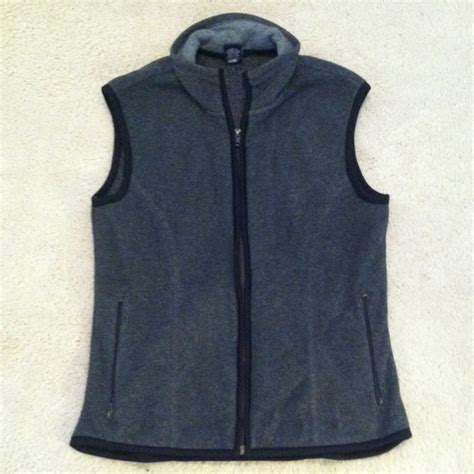Vest Gap gap gap fleece vest from juliann s closet on poshmark