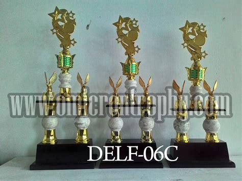 Piala Kaki 2 Piala 75 Cm Piala Murah Kaki 2 Piala Tinggi Piala Event jual piala truphy kaki 2 untuk perlombaan omicron trophy