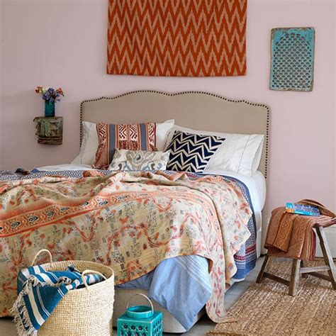 Bedroom Decorating Ideas Quilt Country Bedroom With Vintage Quilt Housetohome Co Uk