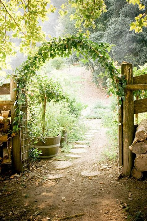 garten naturnah gestalten garden doors designs for a magical garden design fresh