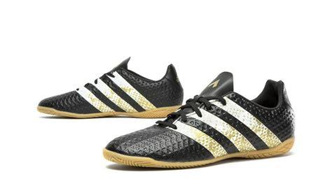 Sepatu Bola Adidas Ace 16 4 review sepatu futsal adidas ace 16 4 black silver gold