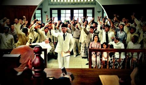 film soekarno mengecewakan soekarno romantisasi sejarah ala hanung dan at the movies