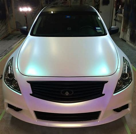 car paint chameleon paint gives a color changing effect with light