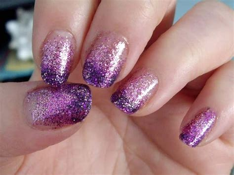 Nail Paint Design by 21 Amazing And Attractive Nail Paint Designs
