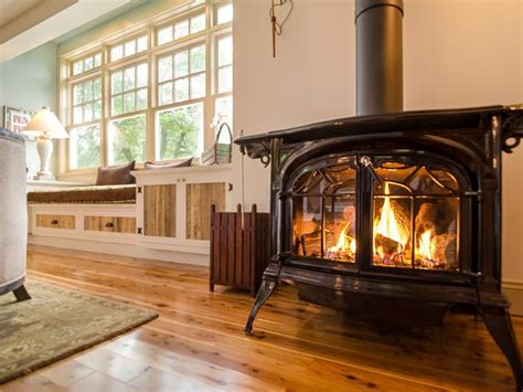 Living Room Stoves by Living Room Pictures From Cabin 2012 Diy Network