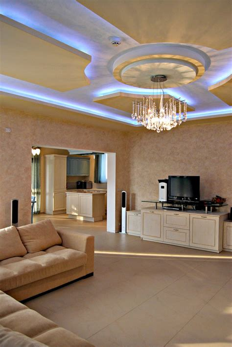 architectural details   stand  ceiling