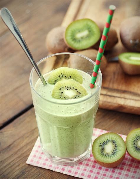 Kiwi Banana Detox Smoothie by 25 Best Ideas About Spinach Smoothies On