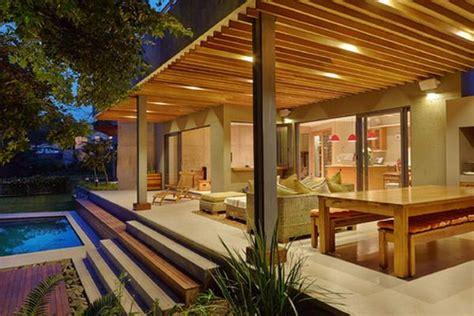 ueberdachte terrasse moderne terrasseneinrichtung