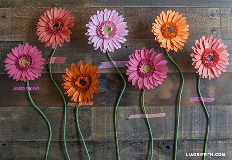 How To Make Paper Daisies - diy gerbera paper flower