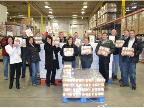 Food Pantries In Concord Nh by Hannaford Delivers 80k Donation To Nh Food Bank Concord