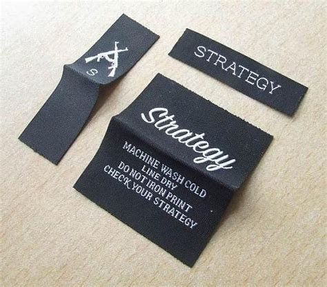 Aufkleber Kleidung by 85 Best Woven Label Images On Pinterest Breien Closure