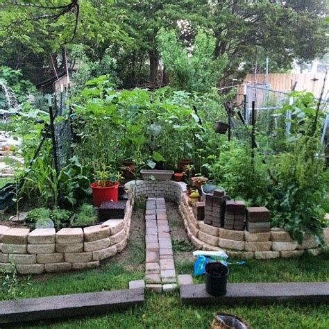 Keyhole Gardening by 17 Best Images About Keyhole Garden Ideas On