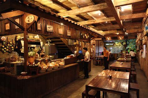 restoran unik  konstruksi kayu arsitag