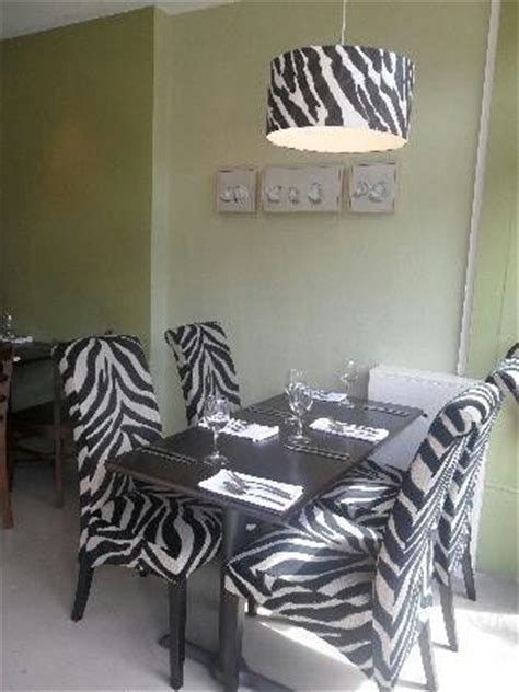 Zebra Dining Room Chairs 97 Dining Room Chairs Zebra Remarkable Zebra Print Dining Room 82 For Furniture With Animal